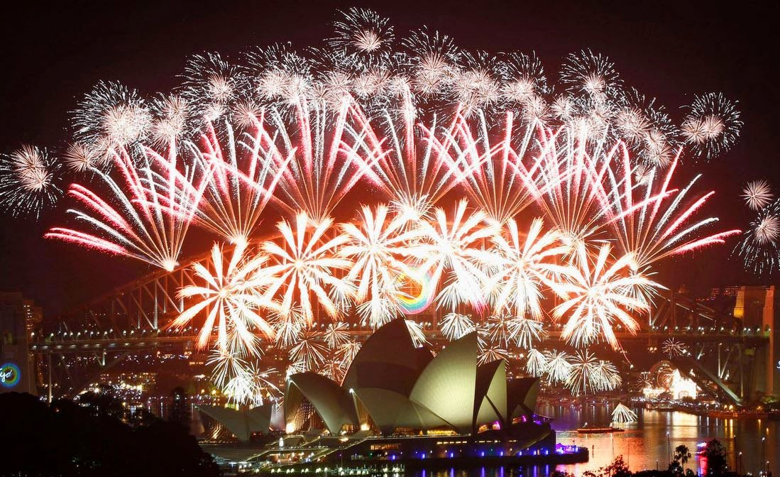 Would you like to enjoy the fireworks at Sydney Harbour, in Australia