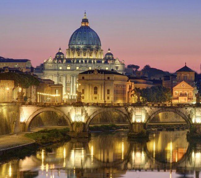 Vista sul Vaticano, a Roma, la città preferita dagli Italiani per le proprie vacanze di Natale nel 2014