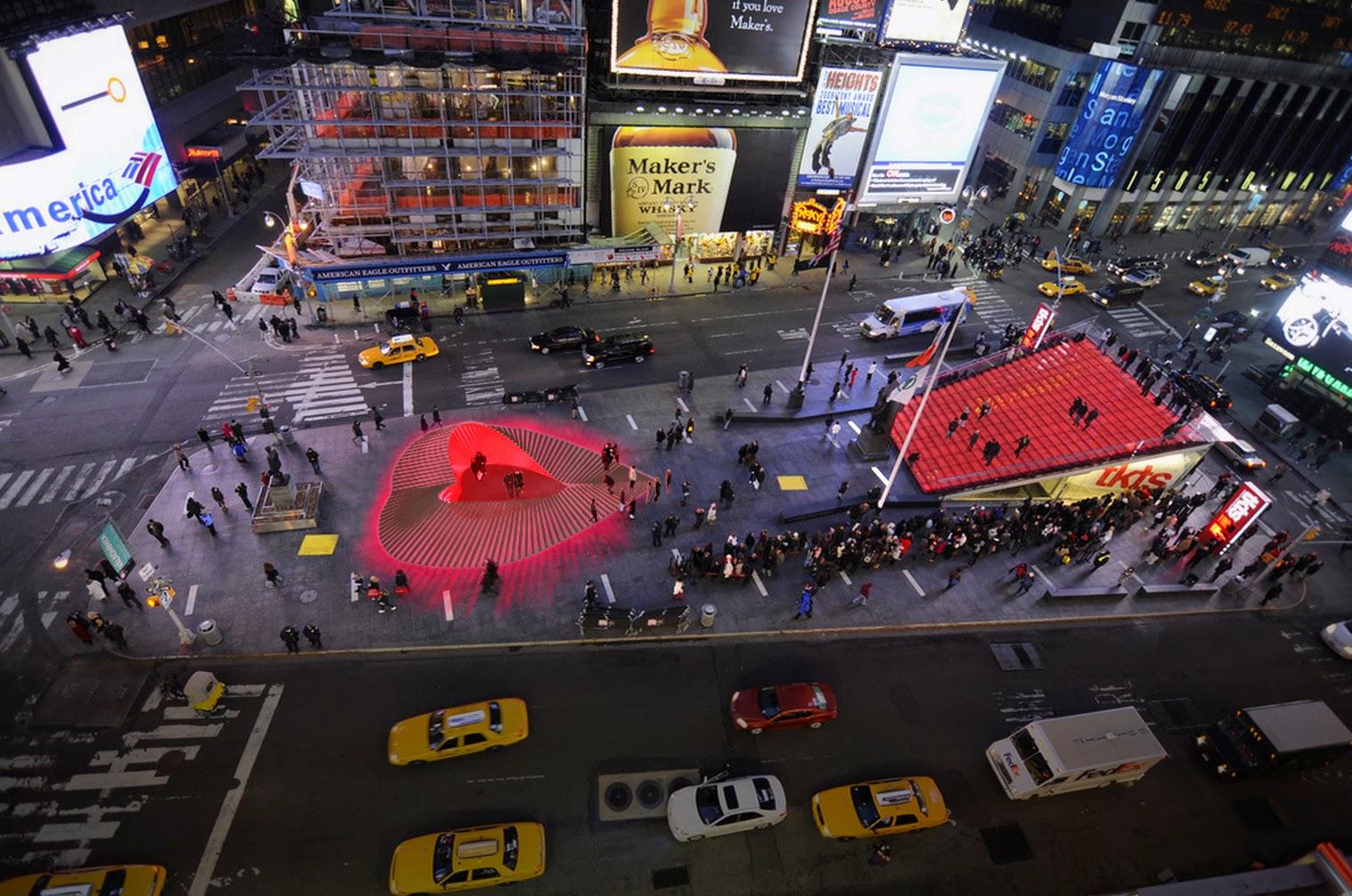Il centro di Times Square dove sorge la famosa scalinata rossa per rinnovare una promessa d'amore