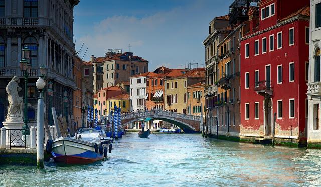 vista di un canale di Venezia, Italia