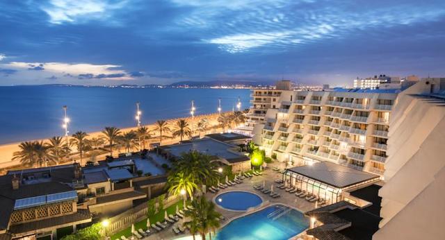 Hotel Iberostar Royal Playa de Palma Aparthotel sul lungomare di Palma