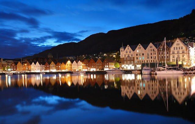 vista panoramica su una cittadina della norvegia