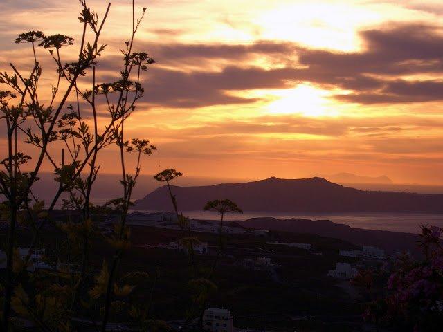 pyrgo, santorini tramonto