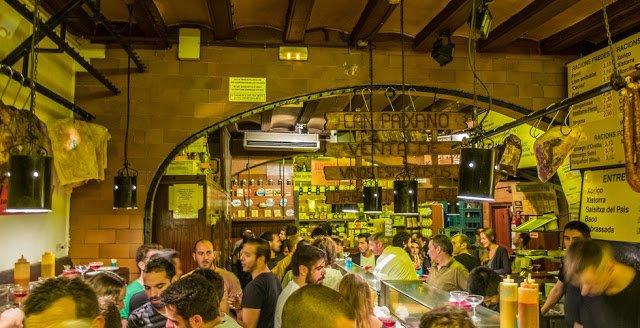 Can Paixano uno dei migliori tapas bar di barcellona