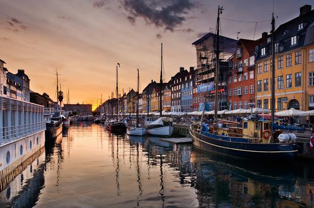 Vista del Nyhavn, antica zona portuale di Copenaghen