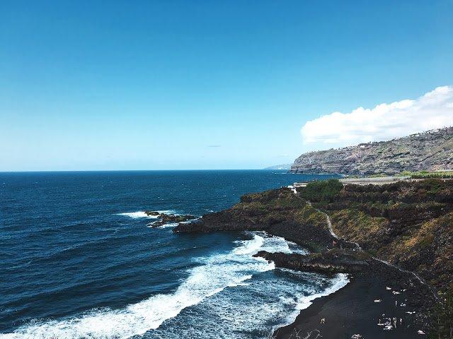 La spiaggia di El Bollullo, Tenerife, Isole Canarie