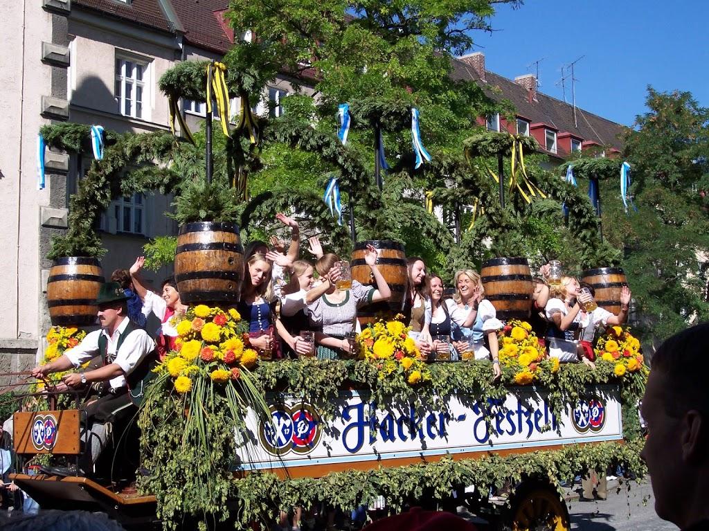 parata di inaugurazione dell'Oktoberfest a Monaco