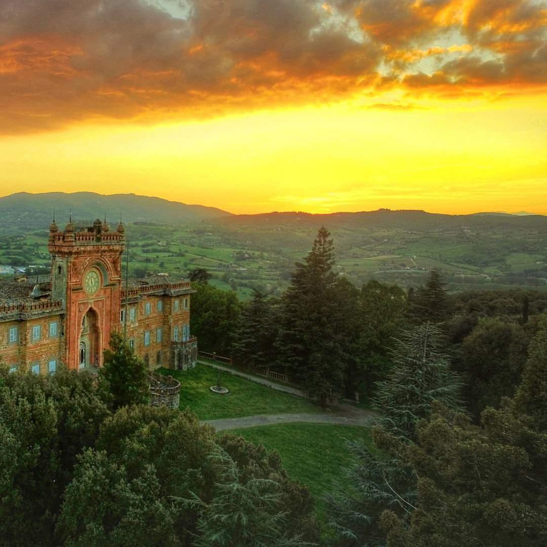Il Castello di Sammezzano al tramonto