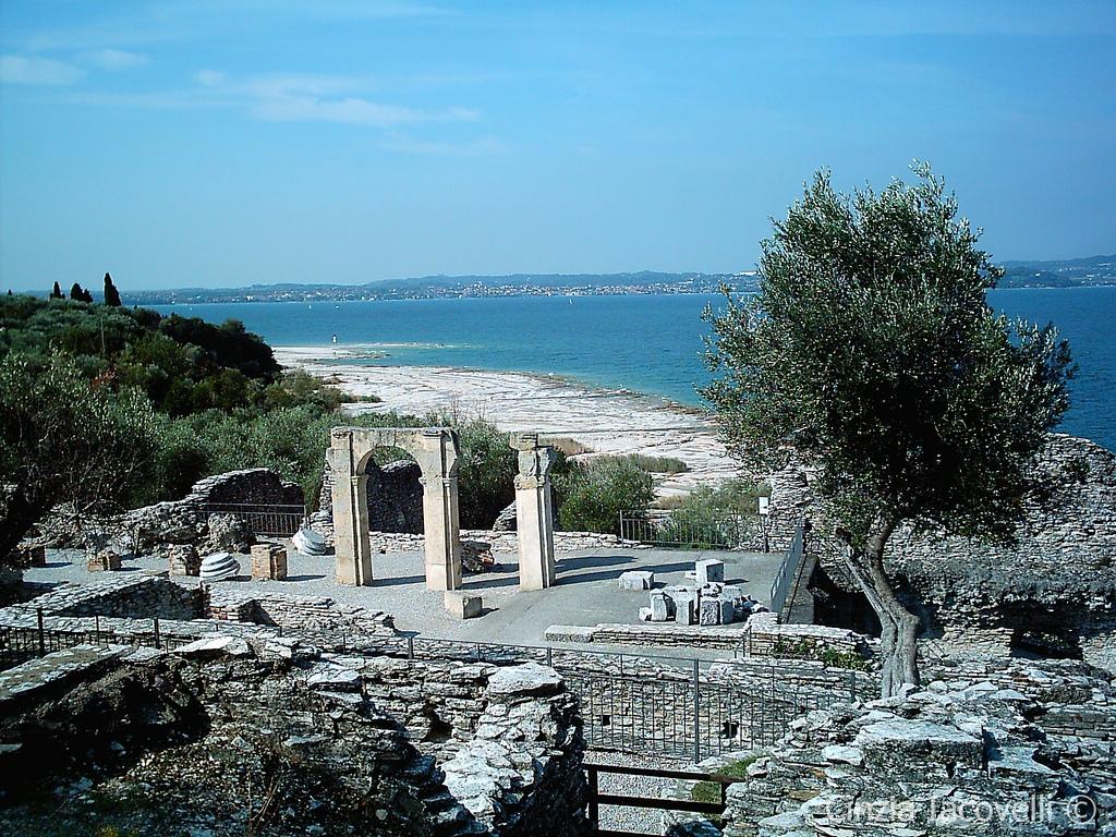 Tra le migliori terme d'Italia ci sono anche quelle di Catullo, a Sirmione.