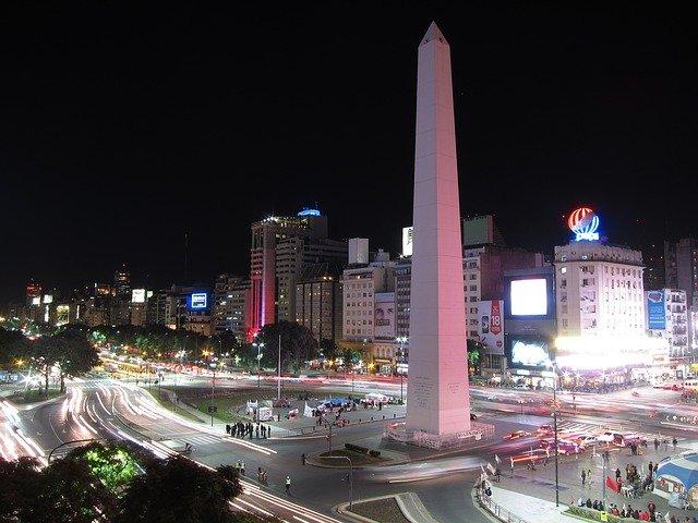 L'obelisco di Buenos Aires tra le cose da vedere nella capitale argentina