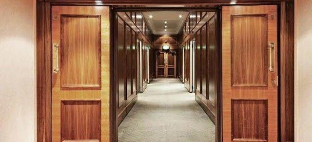 Corridoio del Copthorne Tara Hotel a Londra