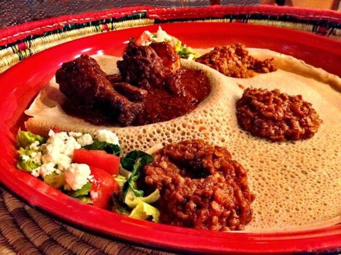 Lo stufato di pollo tipico dell'Etiopia, il Doro Wat