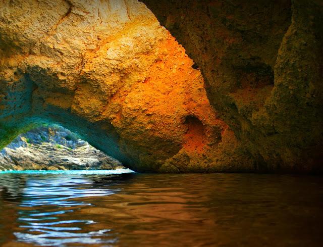 Una delle grotte marine di Vieste