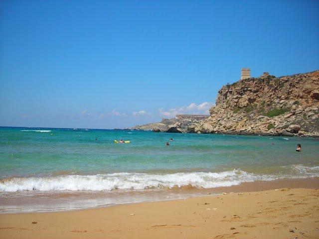 spiaggia di Għajn Tuffieħa, isola di malta