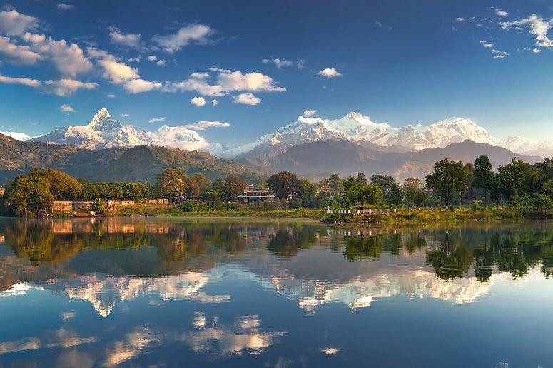 Pokhara e il lsgo Phewa
