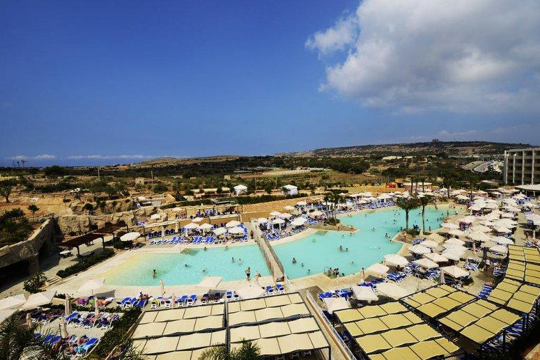 il Db Seabank Resort + Spa di Malta.