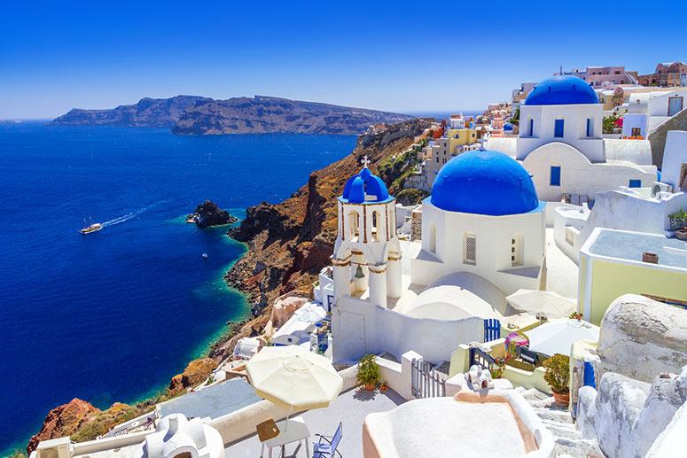 Ammira i tramonti più belli di Santorini, una delle isole più belle della Grecia.