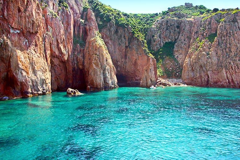 Cosa vedere in Corsica: la riserva naturale di Scandola