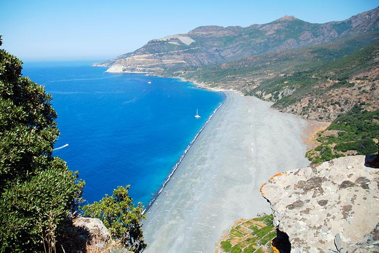 La spiaggia di Nonza a Capo Corso, Corsica