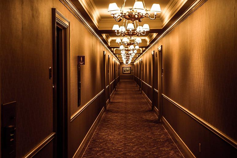Fantasma Sulla Sedia A Dondolo.Storie Di Fantasmi Gli Hotel Piu Infestati Del Mondo