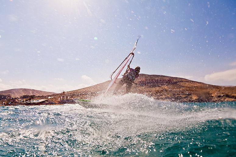 Sport: fare windsurf a Fuerteventura